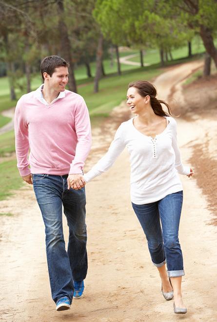 Se promener ou d'autres formes d'activités physiques peuvent aider à soulager les maux de tête