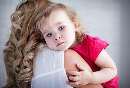 Un enfant est malade et a besoin de voir un médecin